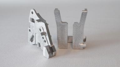 Auf unseren Datron-Hochgeschwindigkeits-Fräsmaschinen können wir unterschiedlichste Teile aus Kunststoff oder Aluminium fräsen....